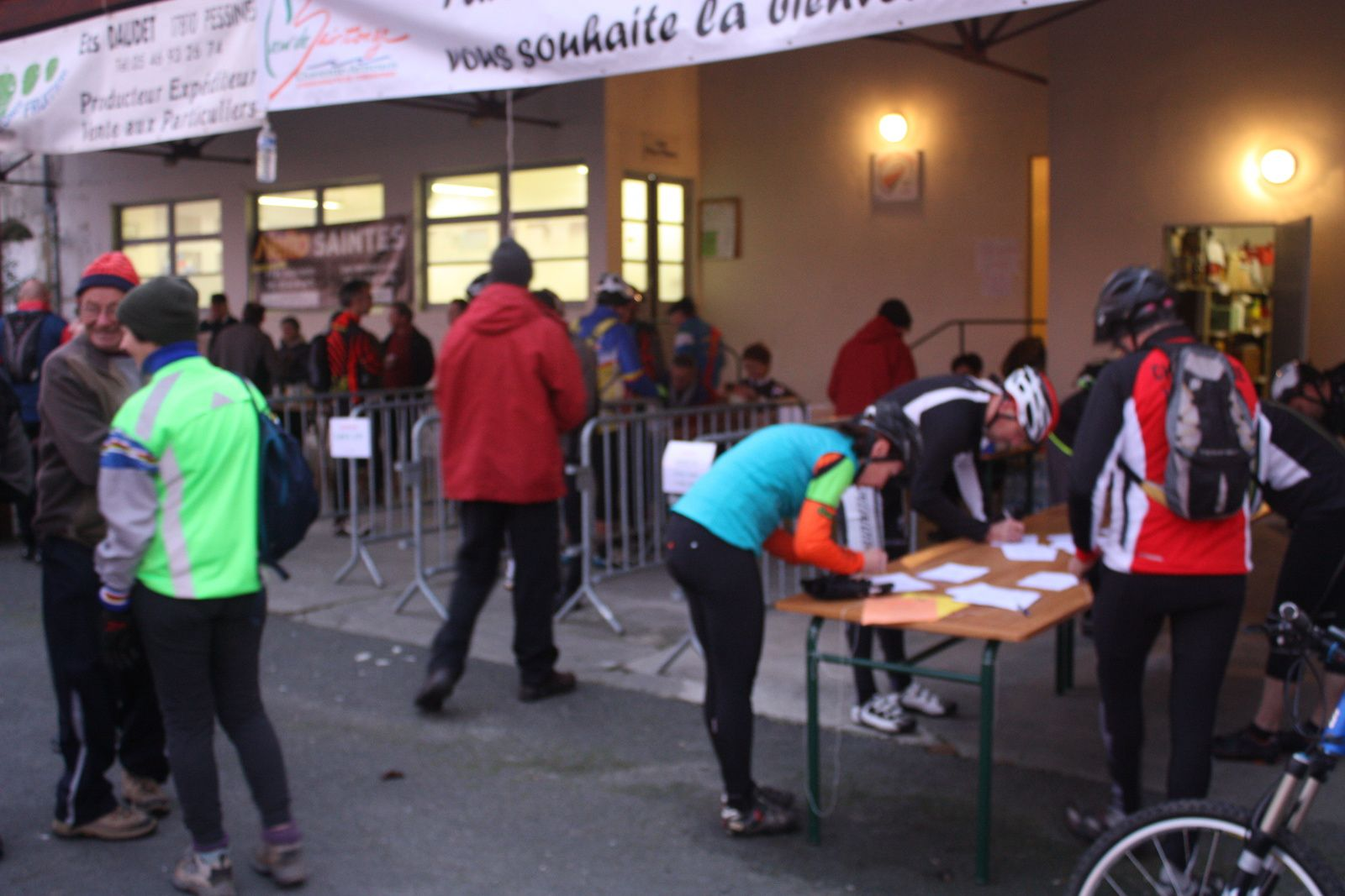 Les  inscriptions  au  local  du  club