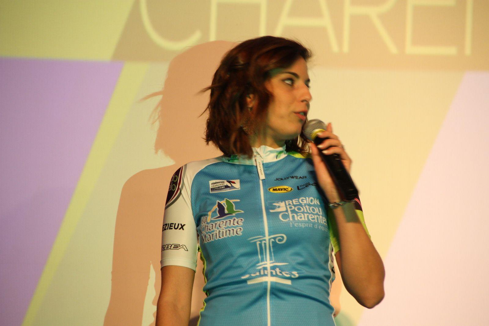 Steffi  JAMONEAU  pour  l'UVA  St  Jean  d'Angély