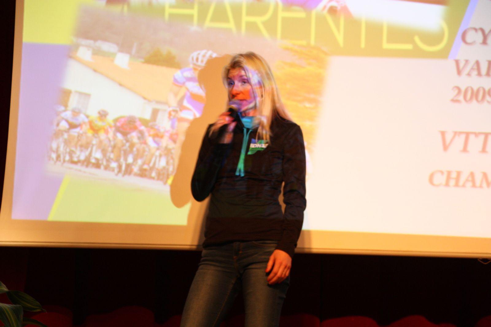 L'invitée  d'honneur  est  Christelle  FERRIER BRUNEAU