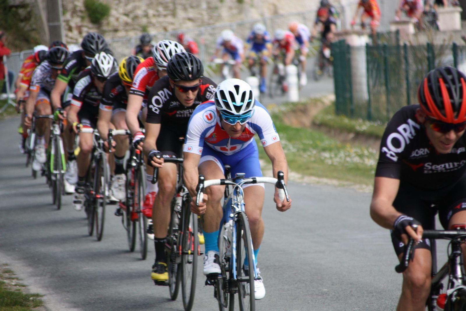 1er  passage  à  Soubran, 3  coureurs  sont  sortit  avec  Jean  MESPOULEDE