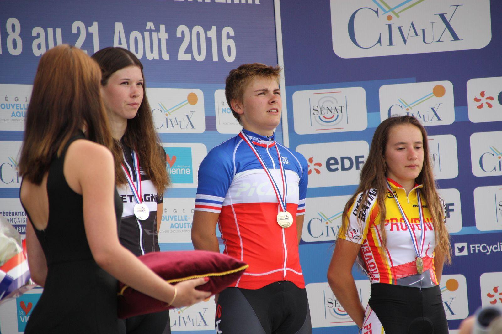 Le  podium  avec  la  nouvelle  championne  de  France
