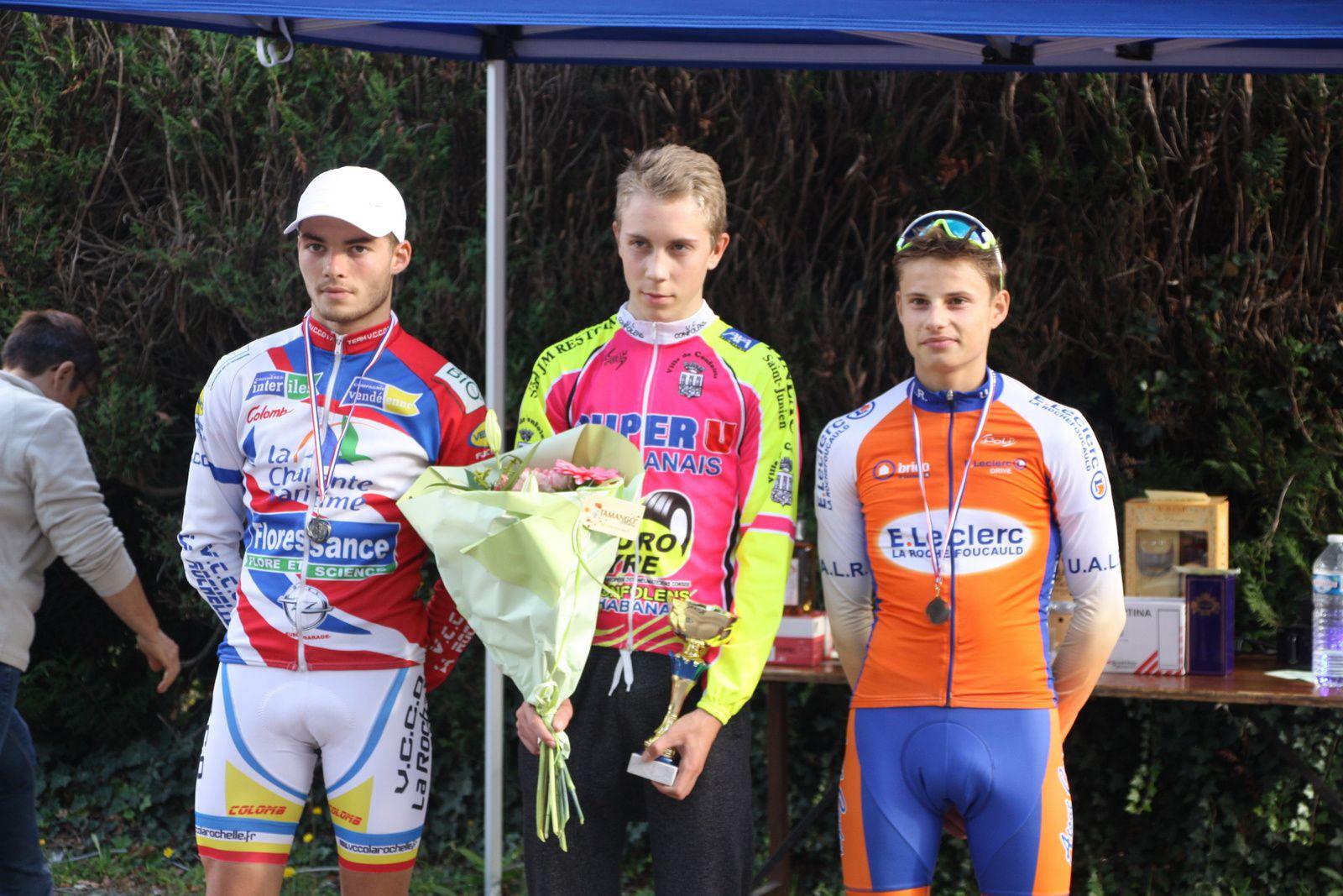 Le  podium  avec  le  vainqueur  qui  est  aussi  champion  de  charente