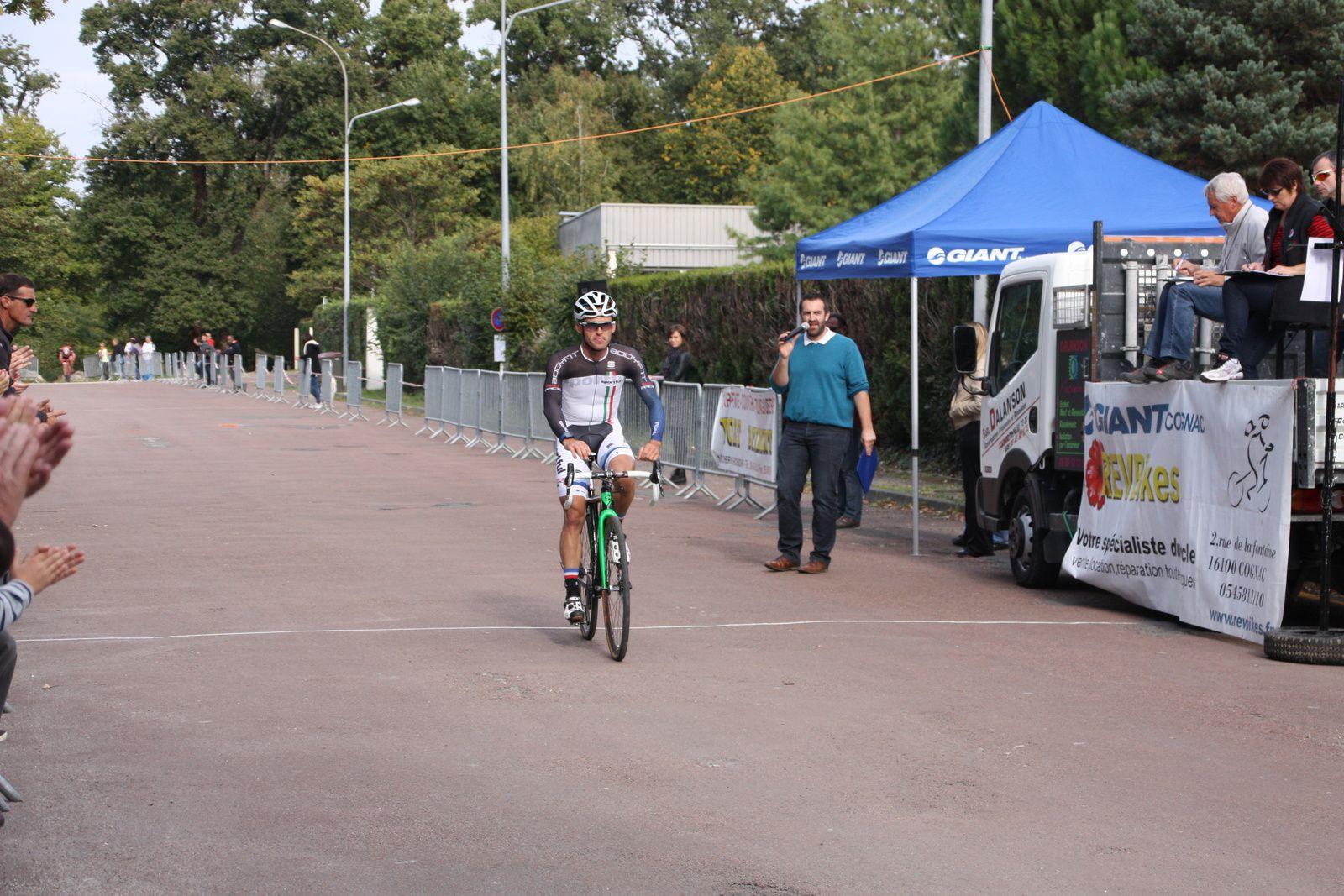 Victoire  pour  Loic  HERBRETEAU (CC  Marmande)