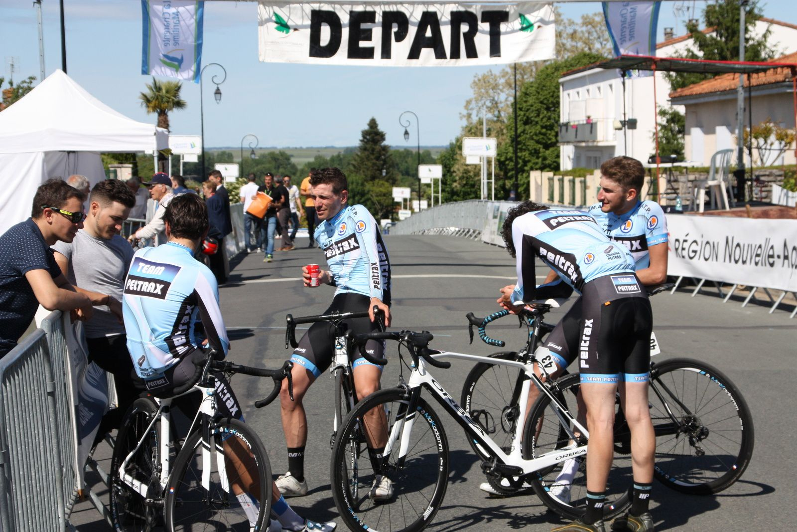 les  coureurs  du  Team  Peltrax