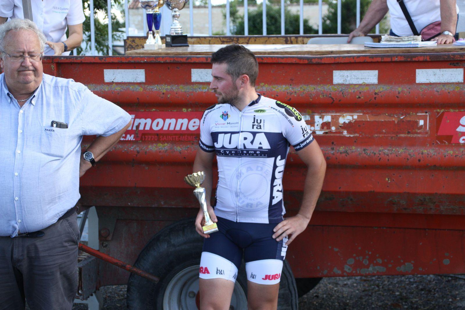 Le  1er  des  3  catégorie  Clément  MOLINOT
