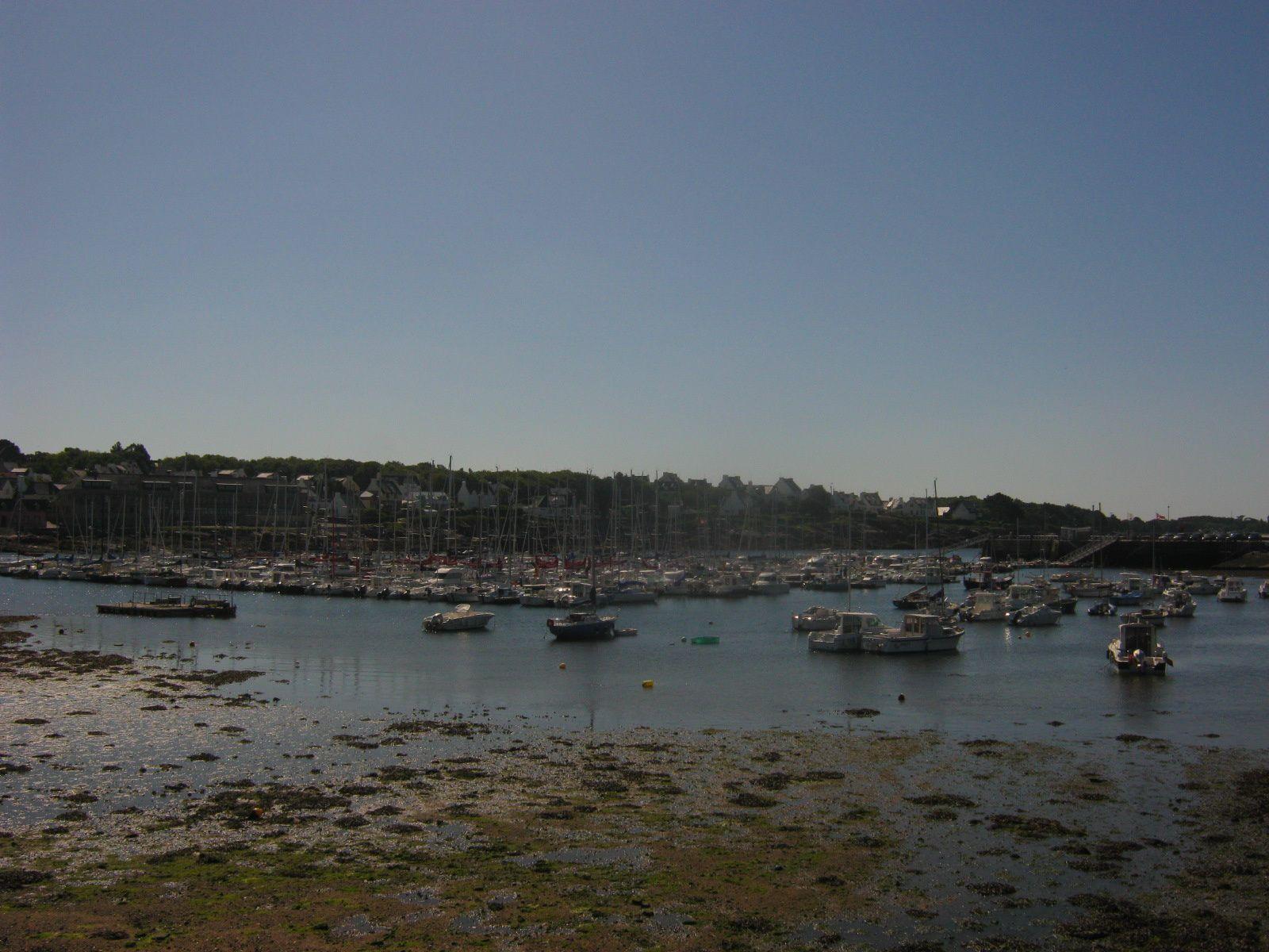 d'abord quelques photos du port qui est très important