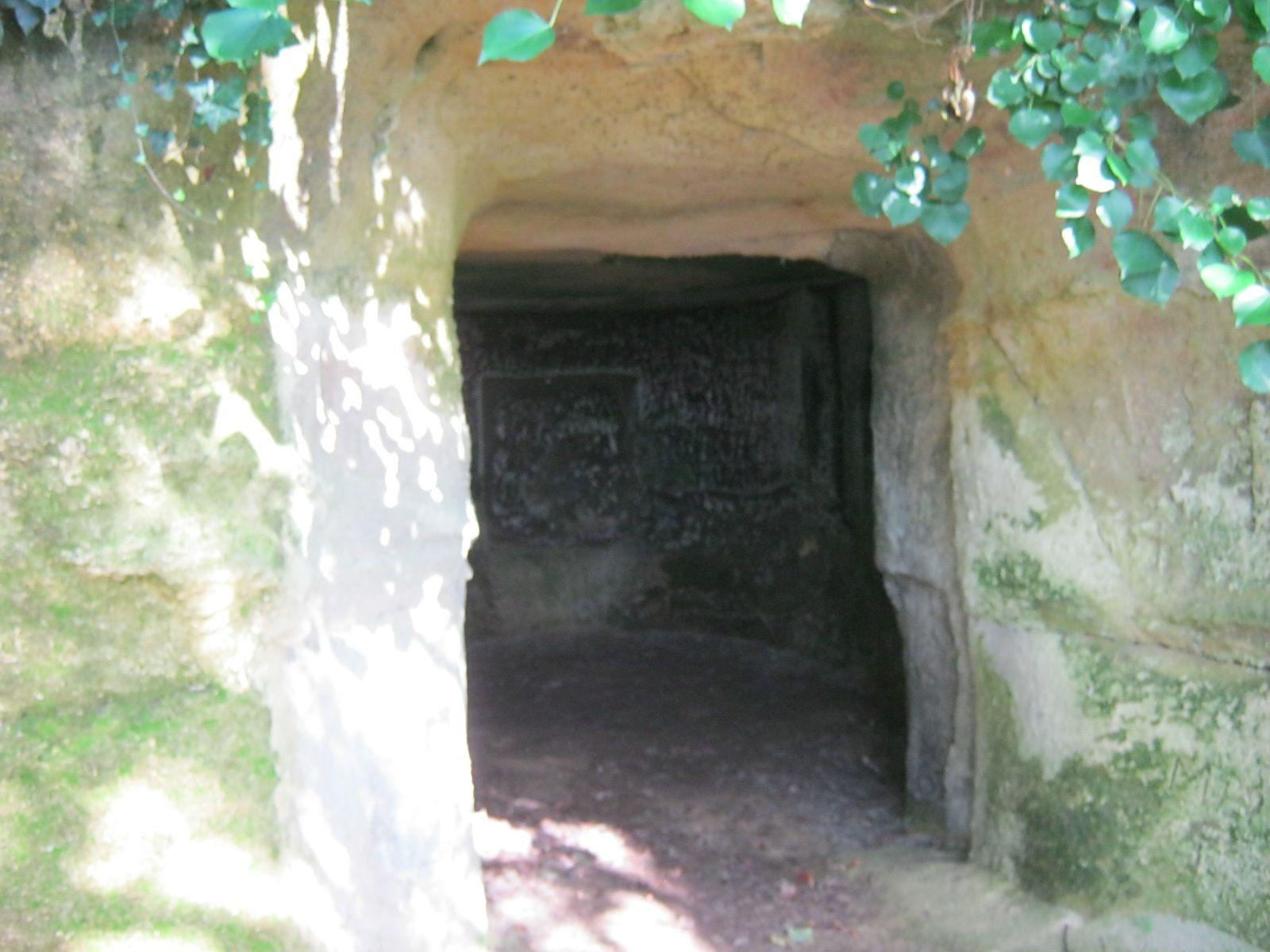 SAINT-EMILION - Les Grottes de Ferrand