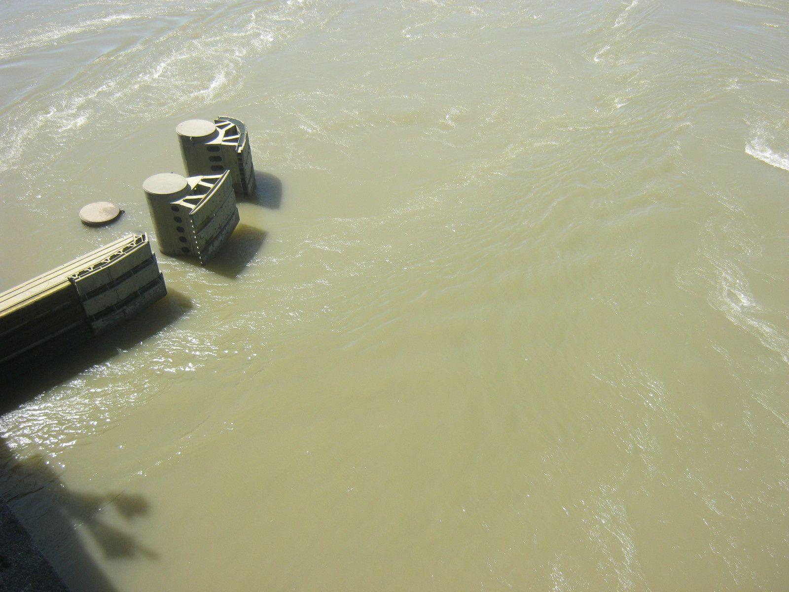 Protections des piles du pont dites Ducs-D'Albe