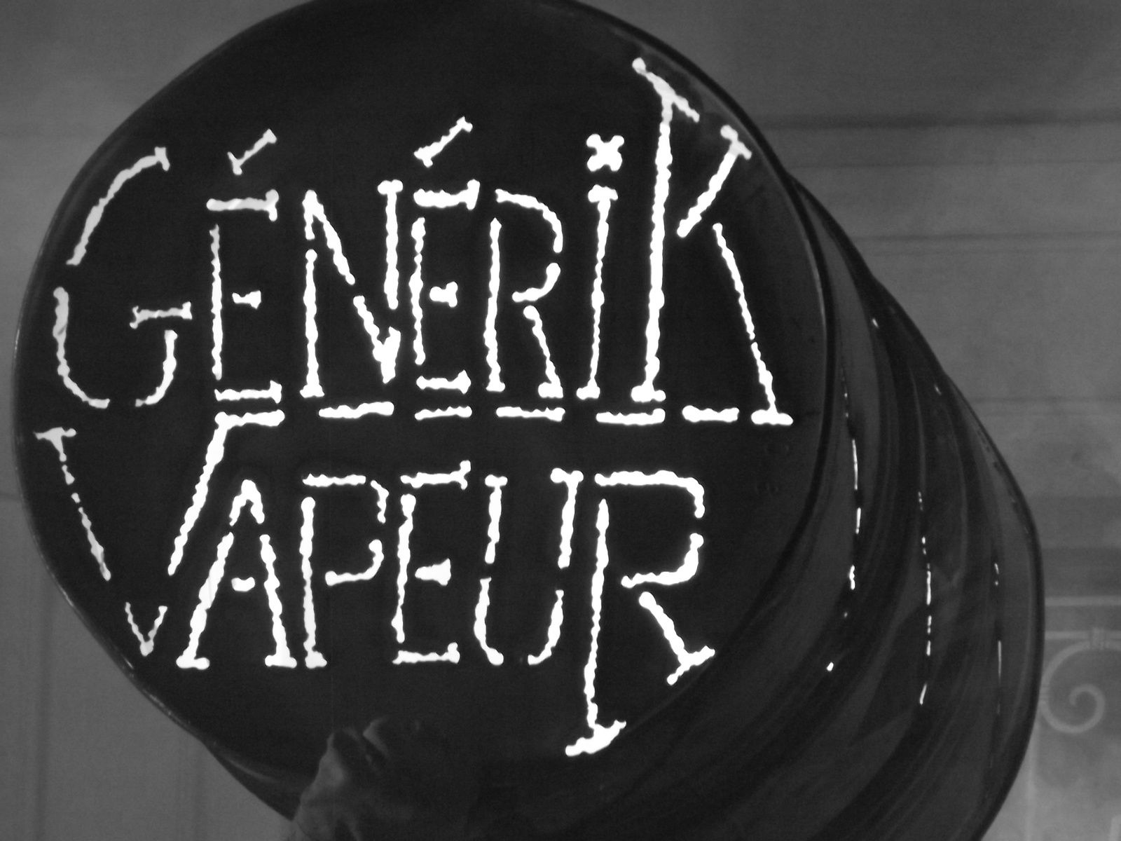 GENERIK VAPEUR BIVOUAC a Petersborough