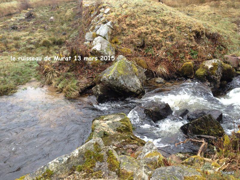 Au fil de l'eau et des pierres