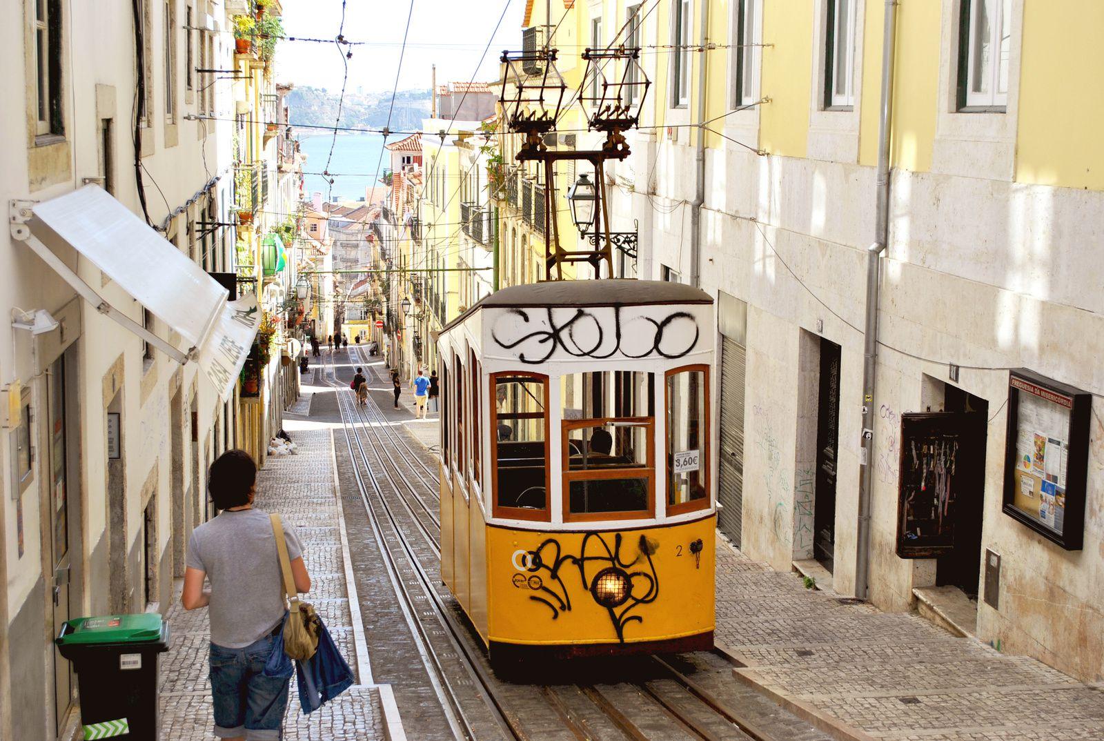 Lisbonne , ses collines, son tram et le fado, une ville à visiter absolument, Portugal