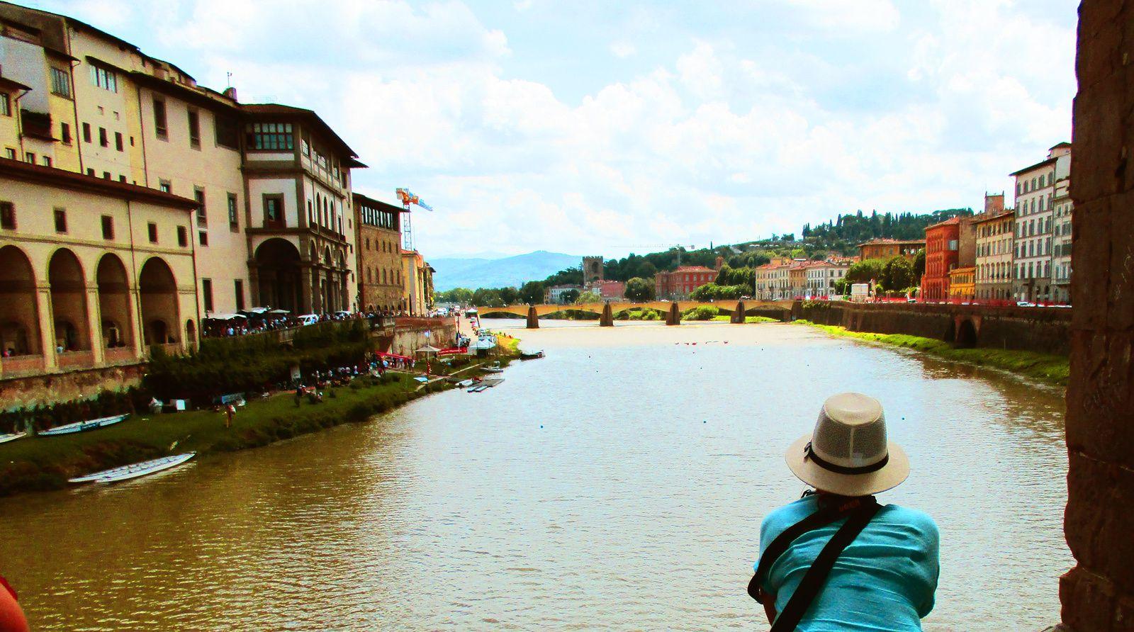 l'Arno traverse Florence