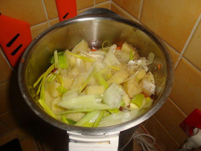 Soupe  &amp&#x3B; go  moulinette    légume carotte poireaux pomme de terre  navet