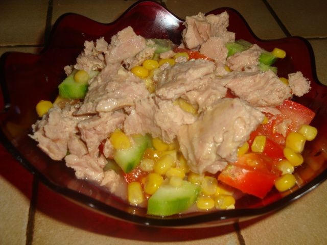 salade tomates concombre ail