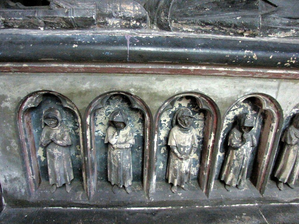 Gisants de la chapelle de la Vierge, cathédrale d'Amiens