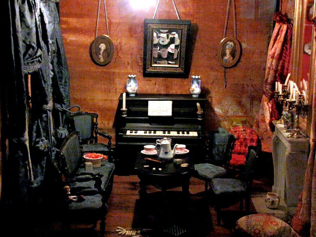 Maison de poupée (intérieur), musée du jouet de Poissy