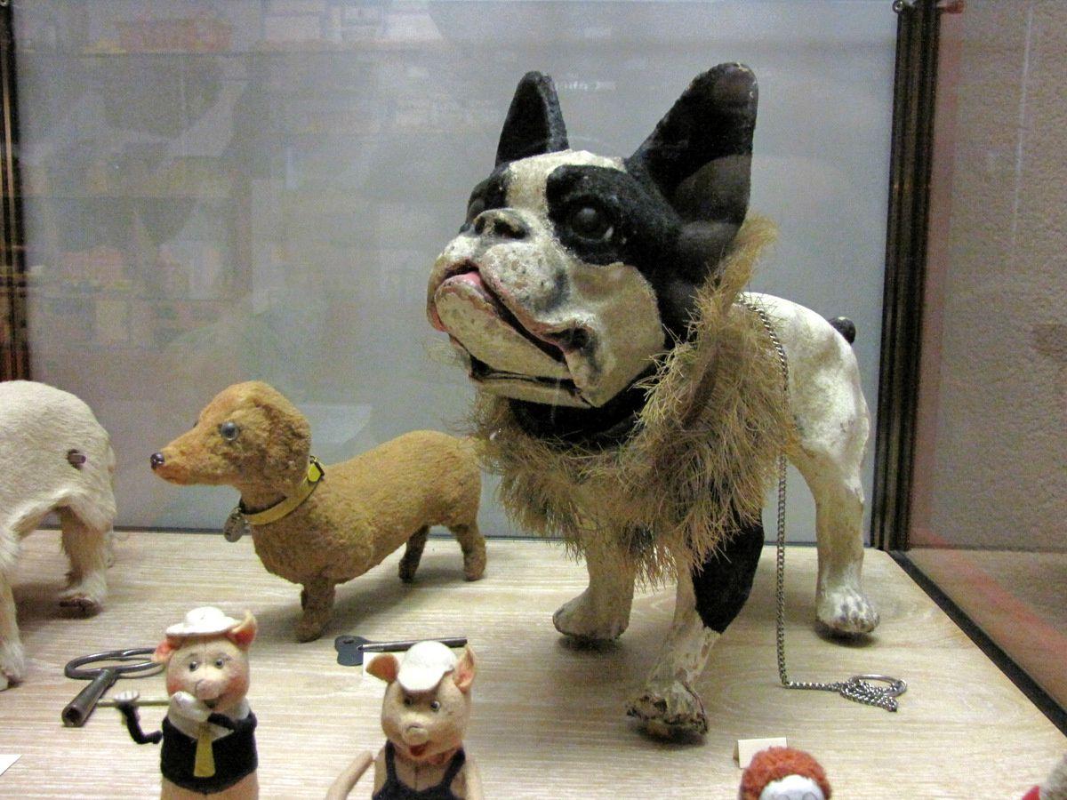 Chien aboyeur (Moulet), musée du jouet de Poissy