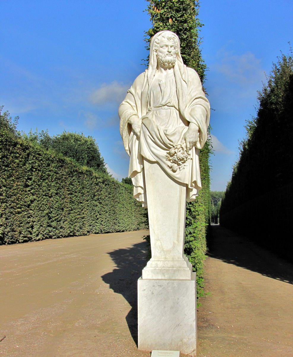 Simon Hurtrelle, statue de Théophraste