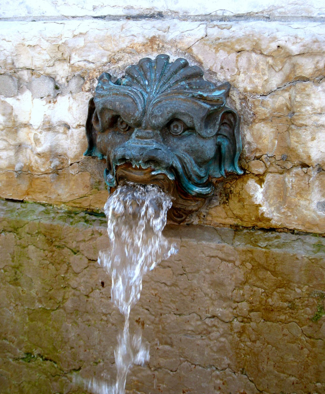La fontaine Saint-Jean-Baptiste, Lyon