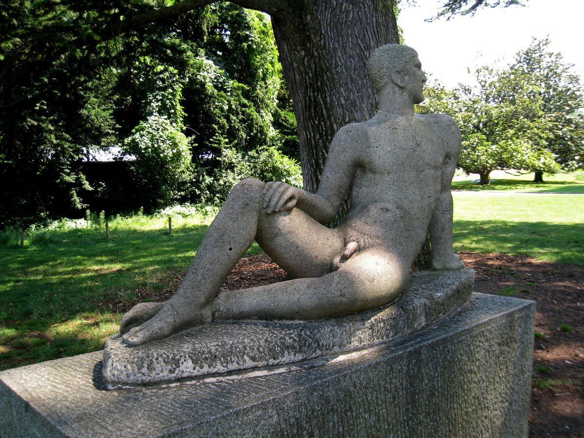 Le sportif, sculpture par Georges Salendre