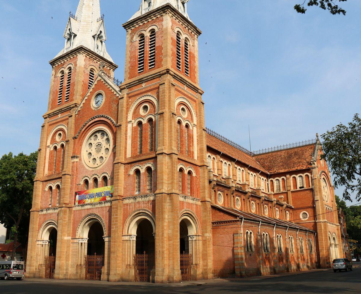 La cathédrale de Saïgon (Hô-Chi-Minh-Ville)