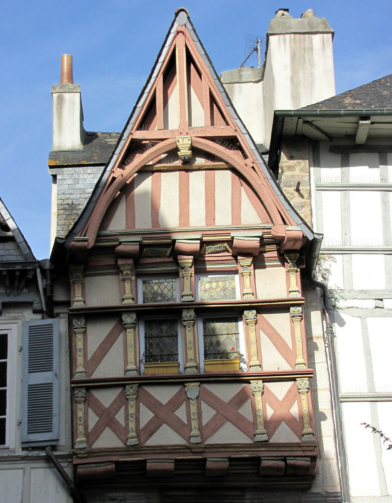 Maisons encorbellements quimper finist re le blog - Maison de l avenir quimper ...