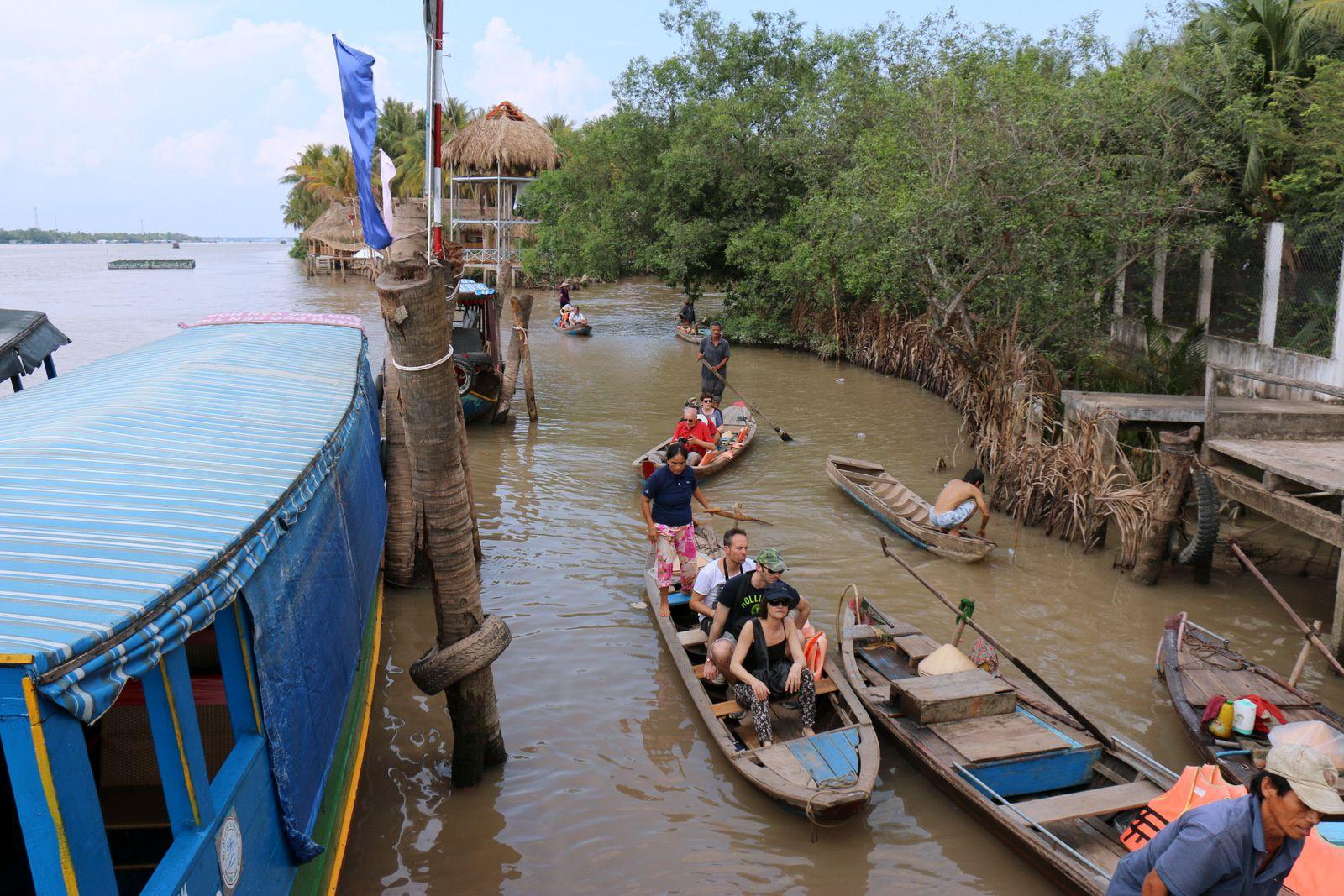 Balade en barque à An khanh, province de Ben Tre au Vietnam