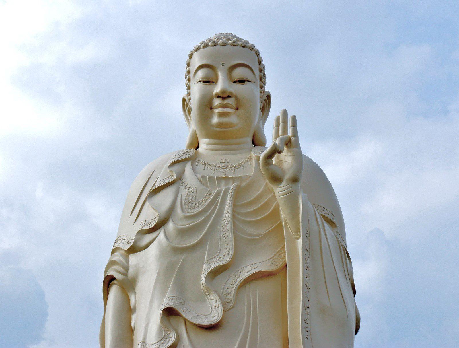Les Bouddhas géants de la pagode de Vinh Trang (3/3), Vietnam