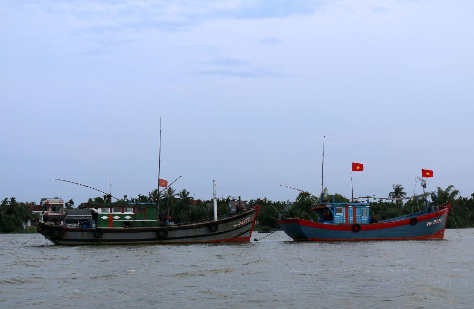 Bateaux sur la rivière Thu Bon (2/2), Hội An (Vietnam)
