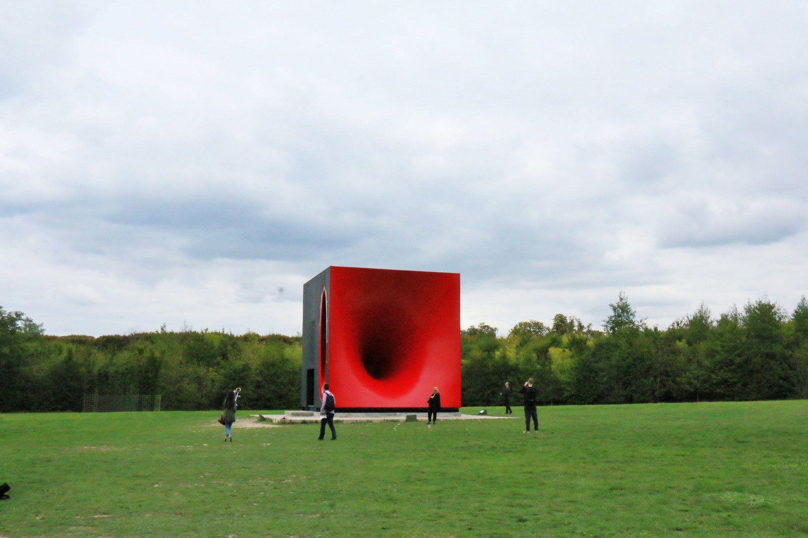 Sectionnal Body ... d'Anish Kapoor dans les jardins de Versailles