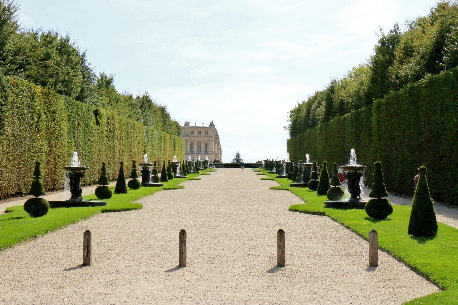 Bassin du Dragon,  jardins du Château de Versailles