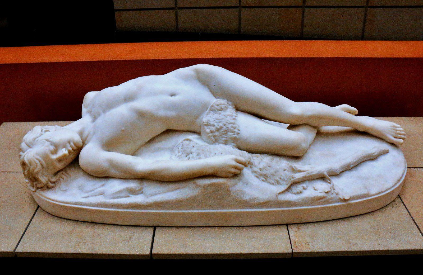 Abel mort, marbre d'Emile Feugère des Forts