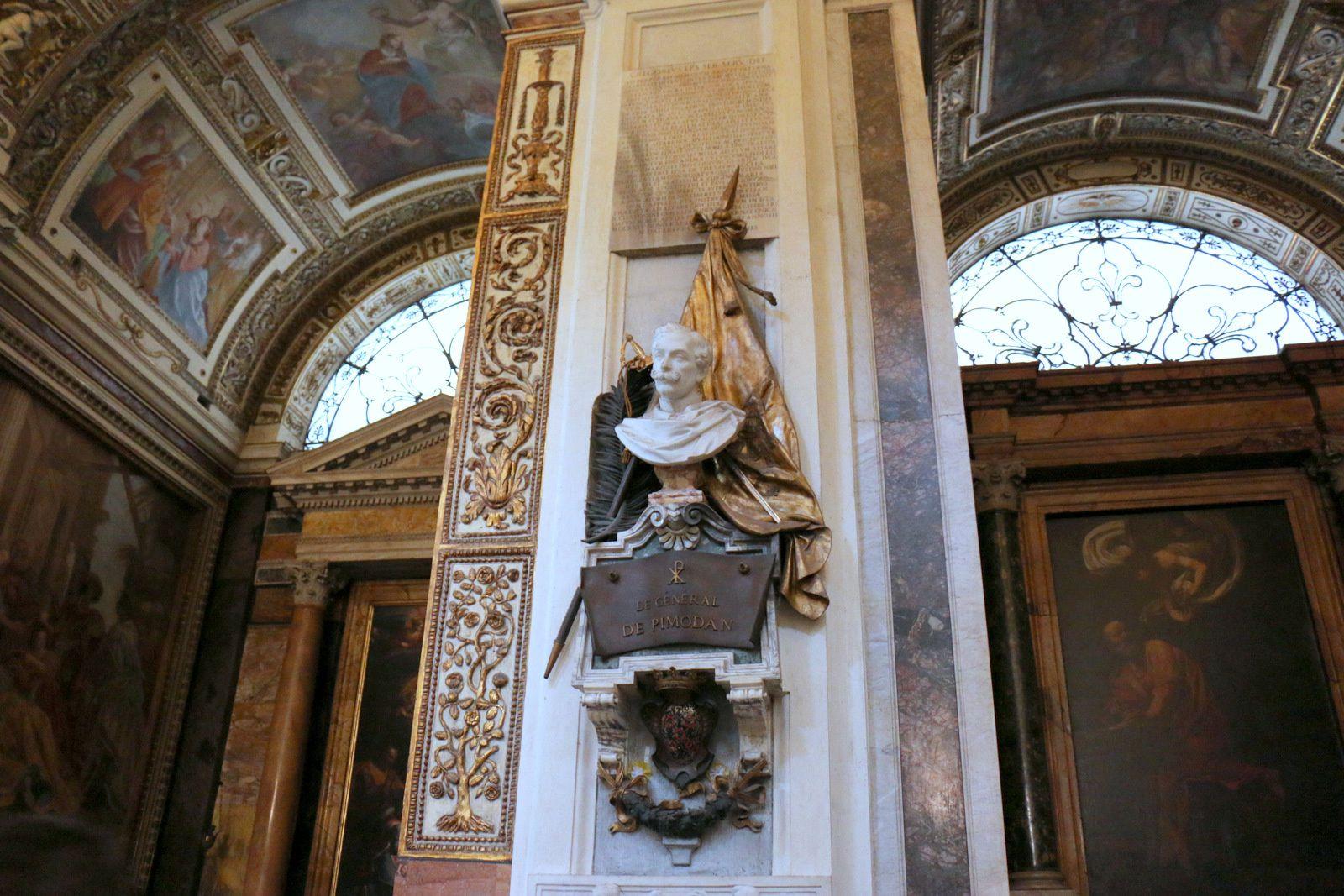 Eglise Saint-Louis des français (Rome), maître-hôtel et orgue