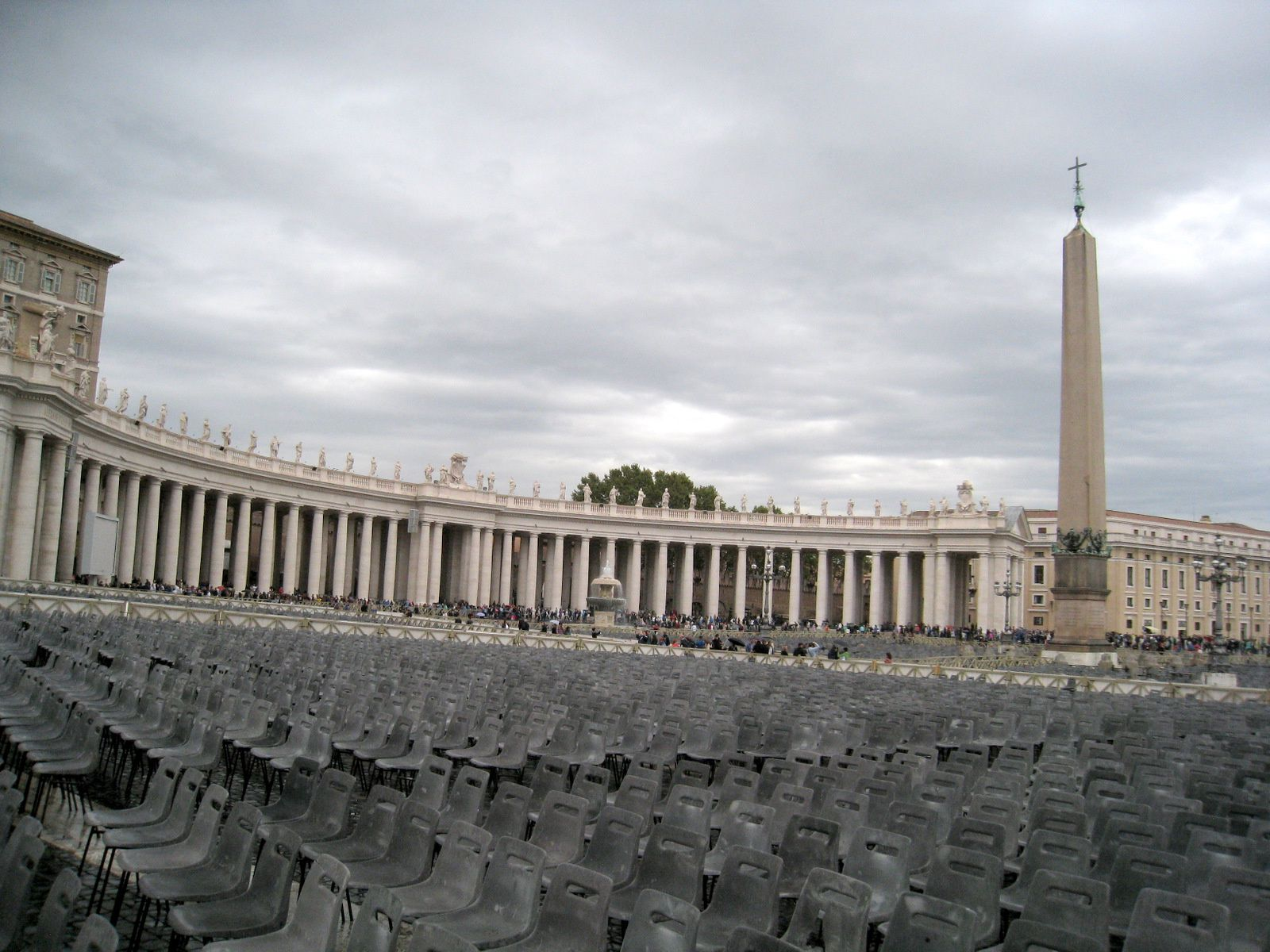 Place Saint-Pierre (1/2), Vatican