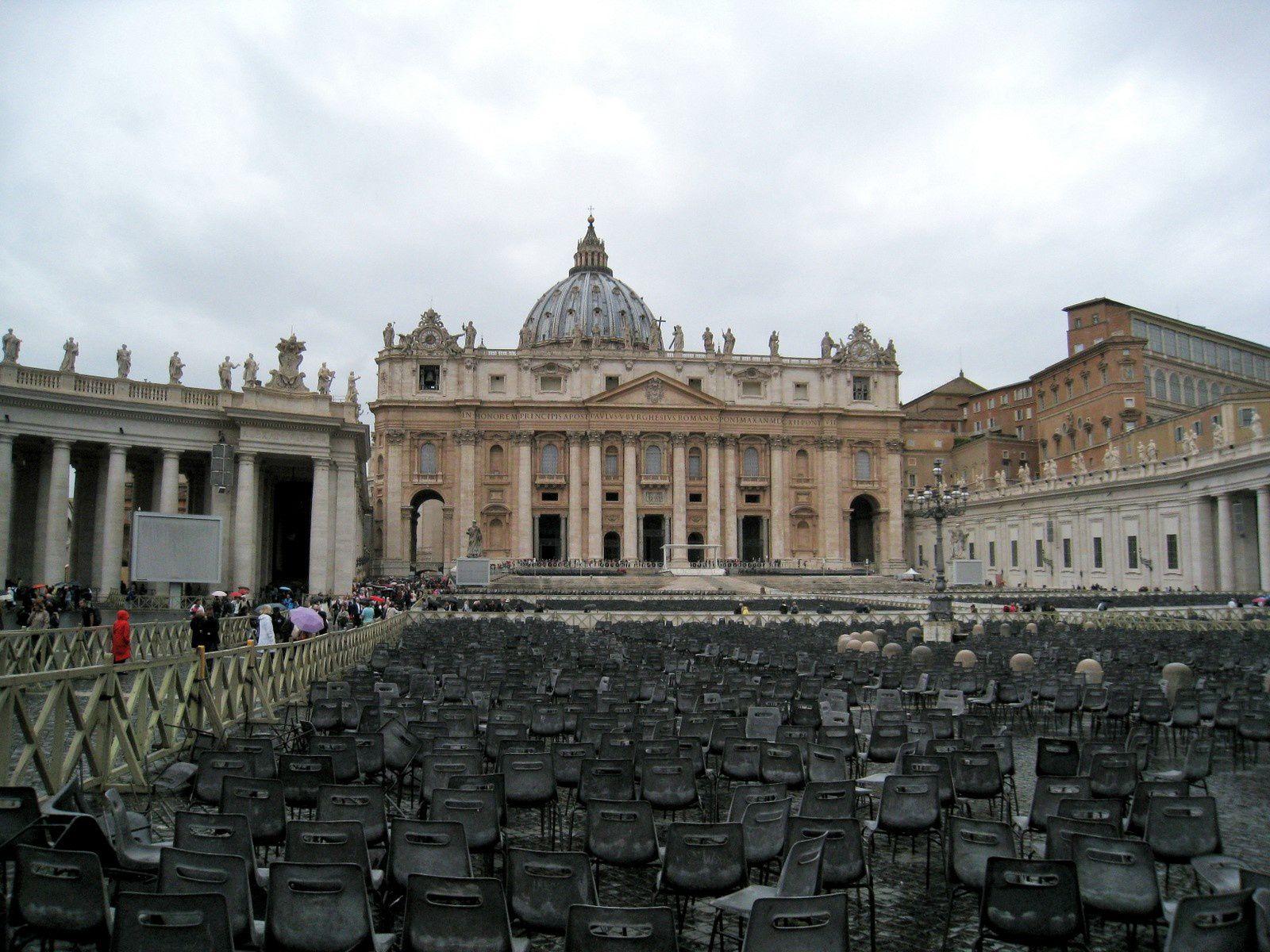 Place Saint-Pierre (2/2), Vatican