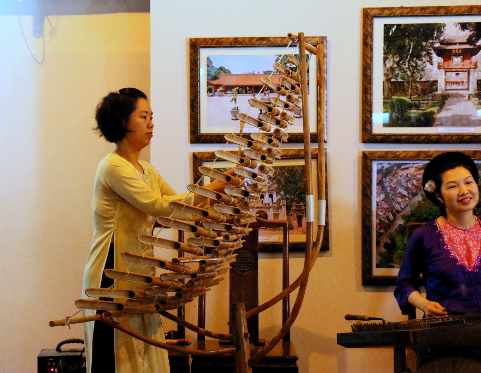 Musiciens et musiciens, temple de la Littérature