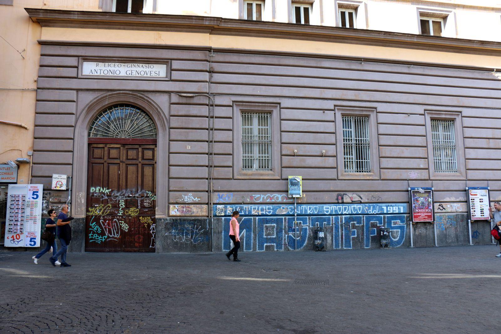 Façades décorées et tags (2/2), Naples