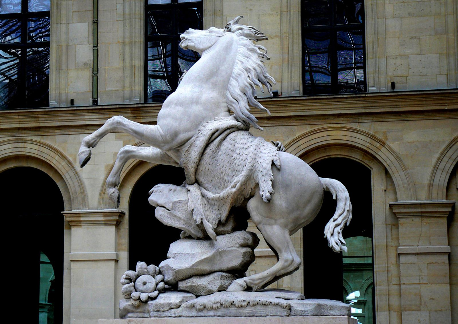 Les Chevaux de Marly, Cour Marly (Louvre)