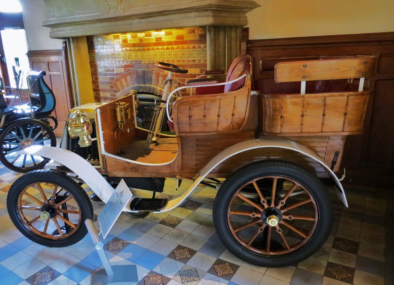 Renault Frères, tonneau 4 places 1901