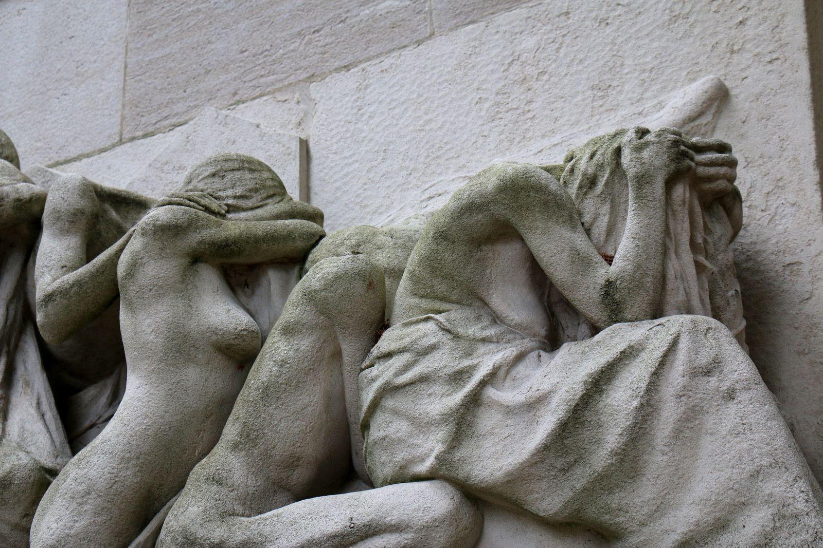 Monument &quot&#x3B;Aux Morts&quot&#x3B;, Cimetière du Père Lachaise