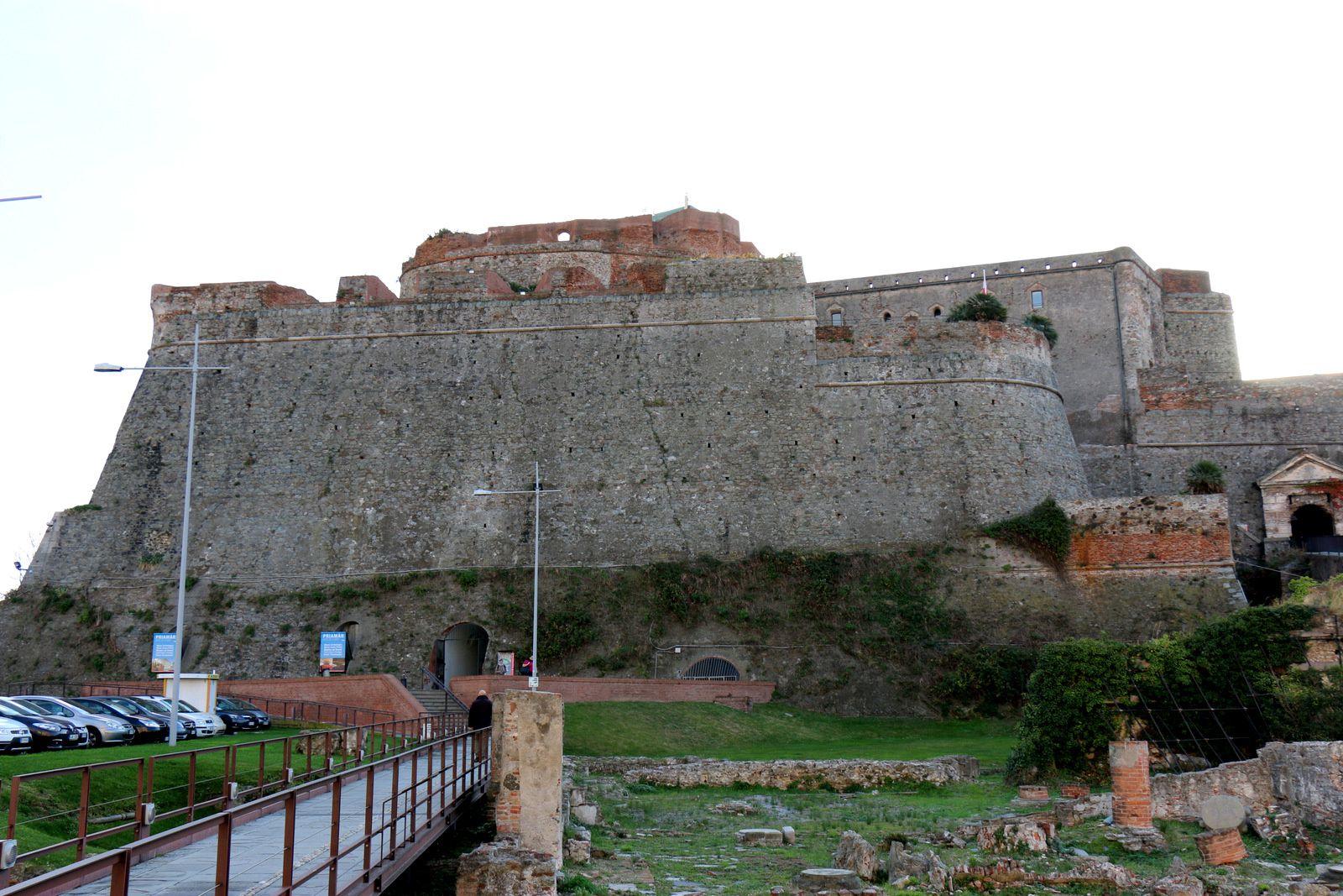 Forteresse &quot&#x3B; Priamar&quot&#x3B;, Savone (Italie)