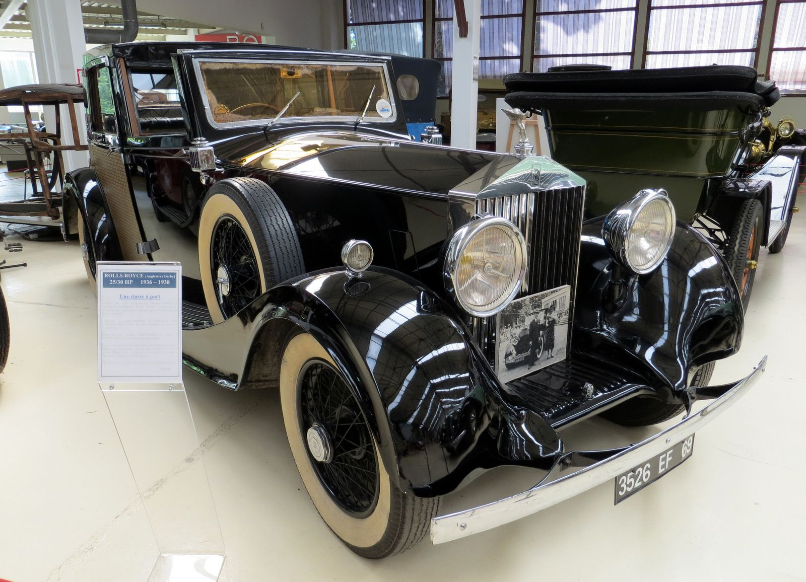 Rolls-Royce 25/30 HP (1956-1938)