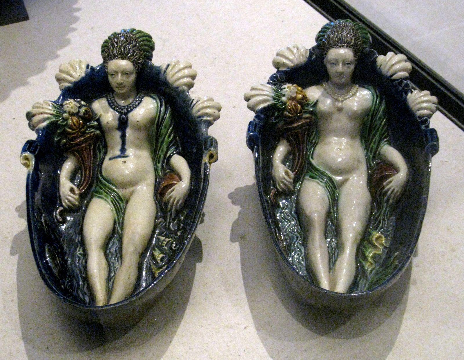 Paire de gondoles Nymphes d'après Guillaume Dupré