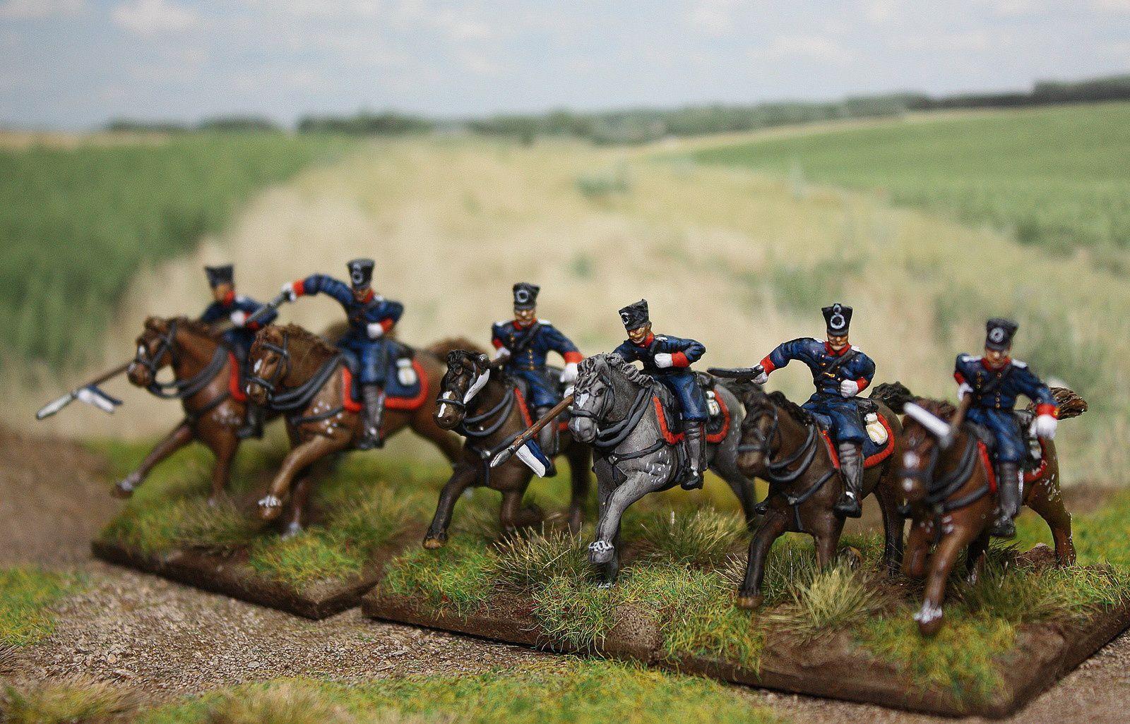 """Les figurines proviennent de la boîte 8005 de chez Hät. Les crinières et queues ont été refaites à l'aide d'un pyrograveur afin d'améliorer les chevaux. Les petites touffes d'herbes sont des n°3 """"Waterloo miniatures""""."""