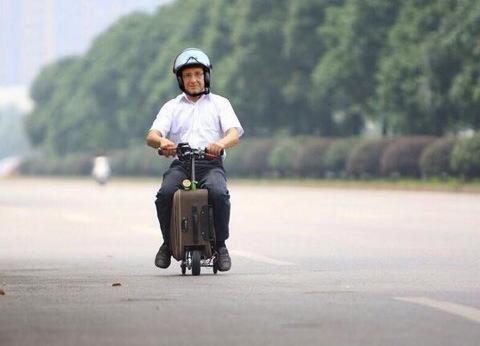 En 2015 quel pourrait être l'élu &quot&#x3B;Humour et Politique&quot&#x3B;....François Hollande ?