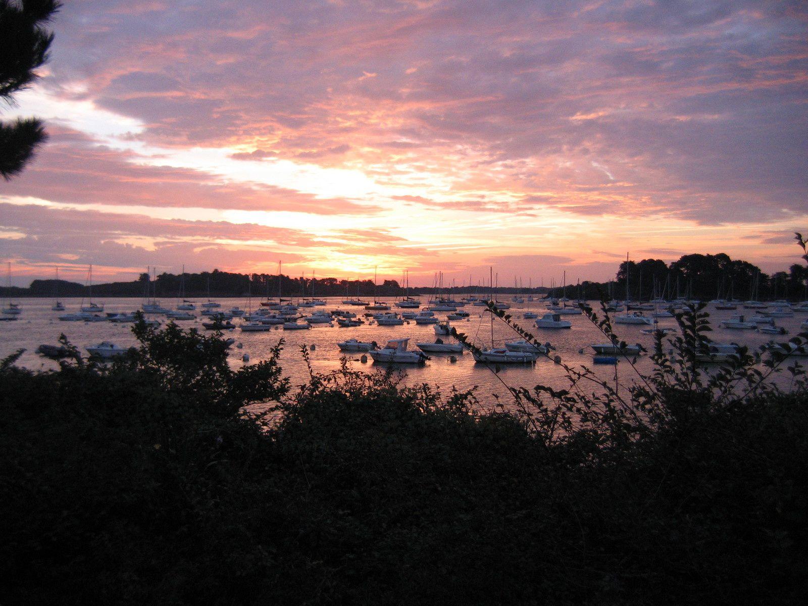 Belles couleurs matinales à 7h57 du matin (dixit appareil photo de Doumé)