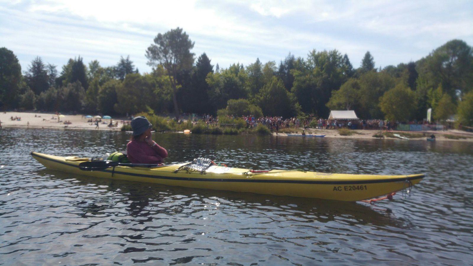 Sécurité Nage en eau libre à Hostens et sorties kayak.