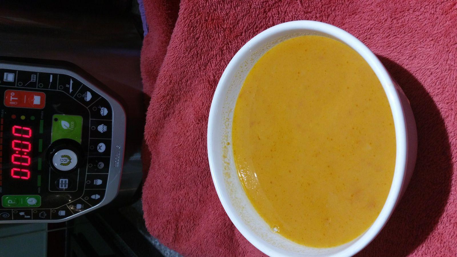 Soupe à la tomate et oignon