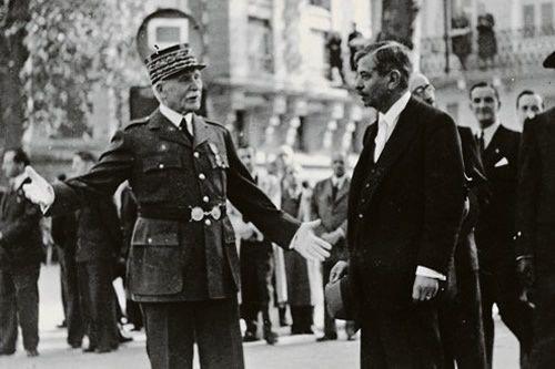 Le Maréchal Pétain et Pierre Laval
