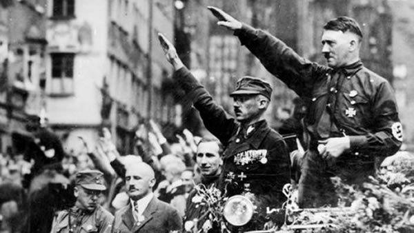 Prise de pouvoir d'Adolf Hitler